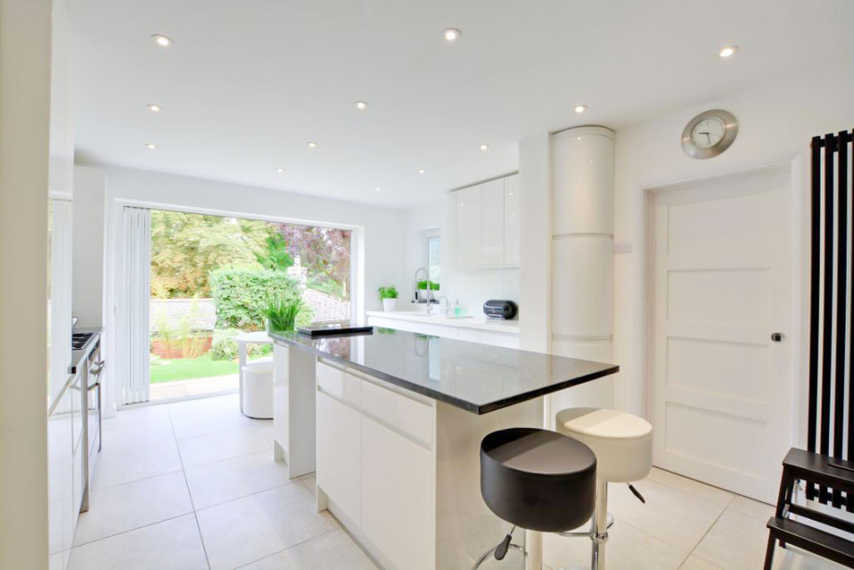 Kitchen Fit using Howdens Units