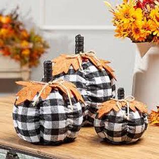 fabric pumpkins2.jpg