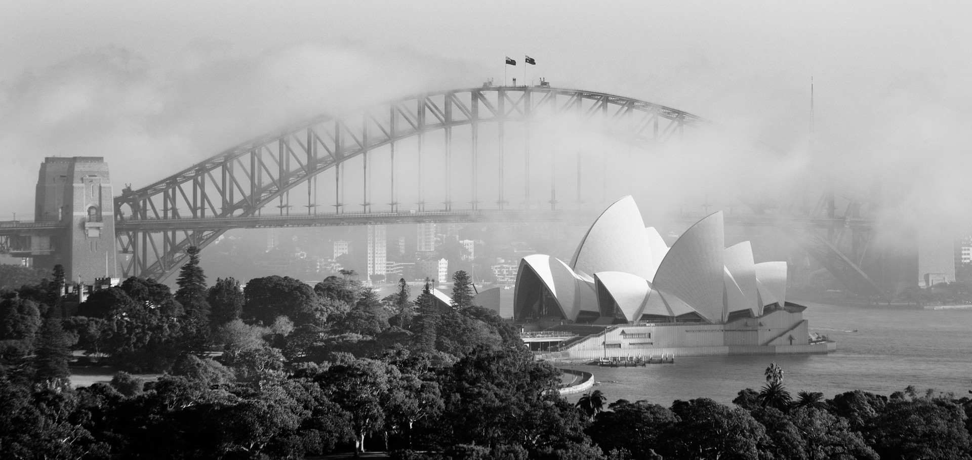 Sydney+Opera+House-Bridge_bw.jpg
