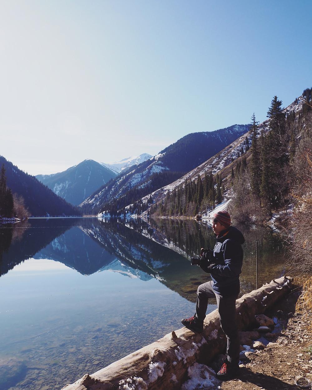 四方脸和Kolsai 第一湖的合影。
