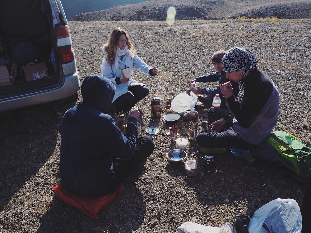 我们一班人在Black Canyon 野餐。