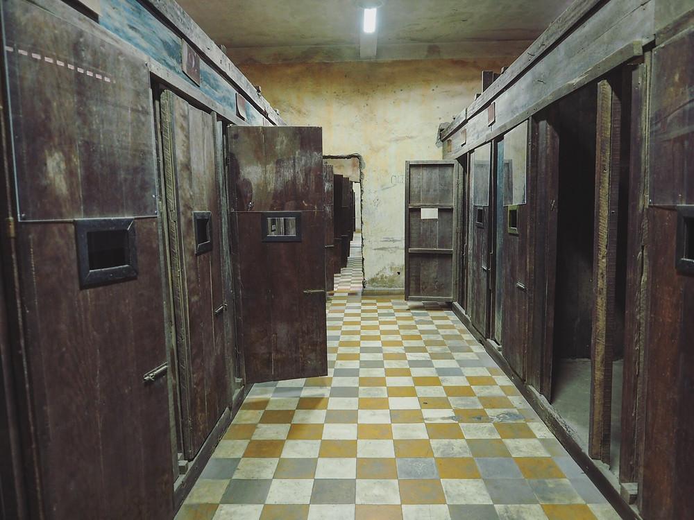 Tuol Sleng Genocide Museum 吐斯廉屠杀博物馆