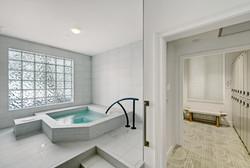 Spa Hot Tub & Lockers
