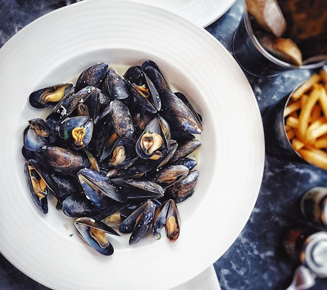 A bowl of mussels a day keeps the doctor