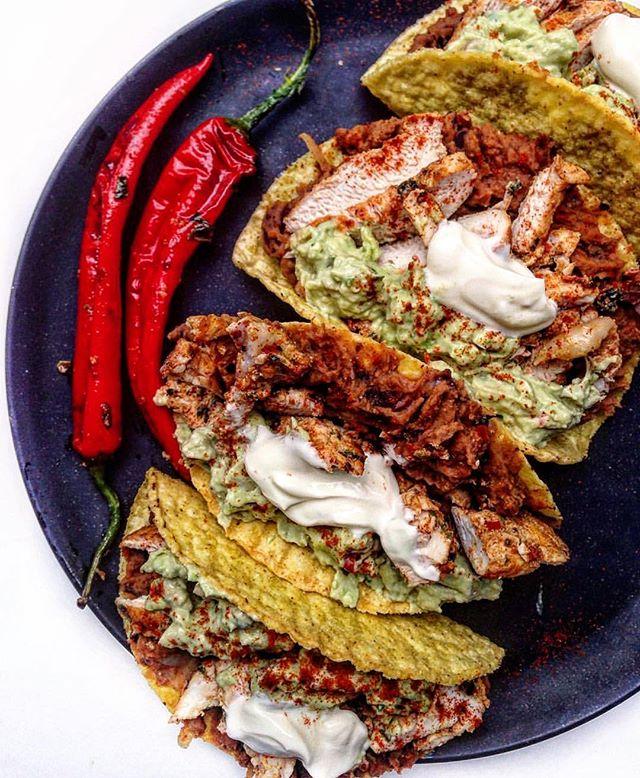 Tacos con pollo 🌮 crunchy corn tortilla
