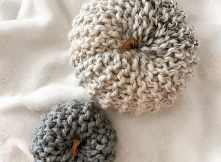 FALL is here!Free Knit Pumpkins