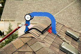 Hipplock-roof-safety-device-installed.jp