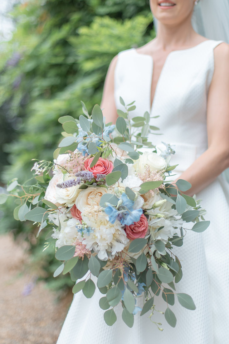 Loose white and green bridal flower bouquet inspiration