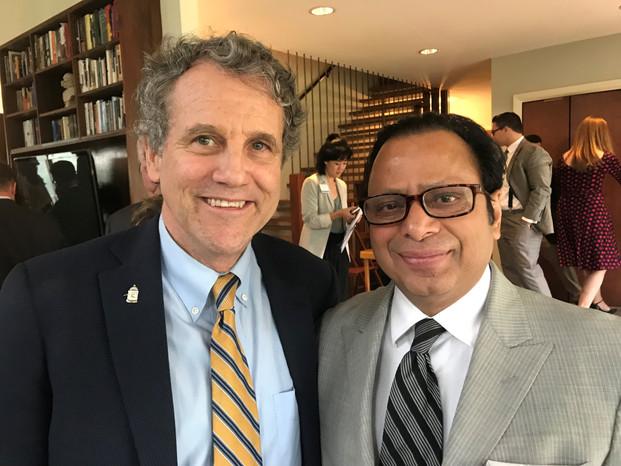 Dr. Ranjan Meets Senator Sherrod Brown
