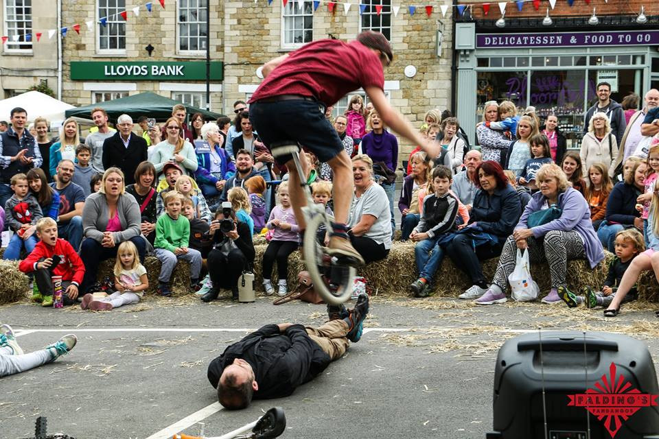 circus performer from UK