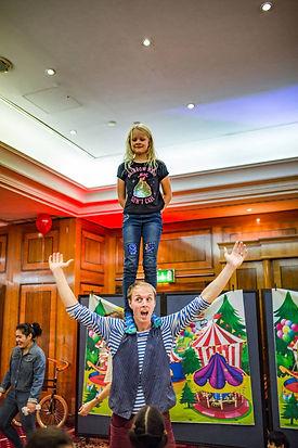 acrobatic children's party entertainers
