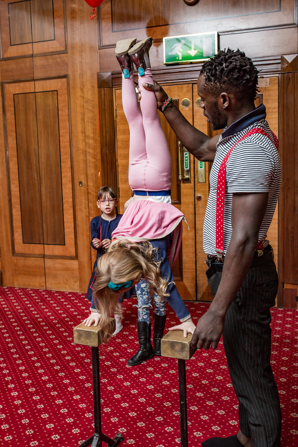kids circus party entertainers