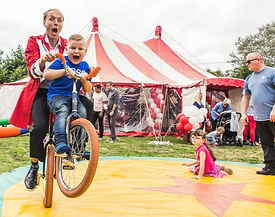 amazing circus entertainers for kids party