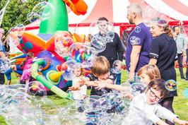 bubble_entertainer_for_kids_parties.jpg