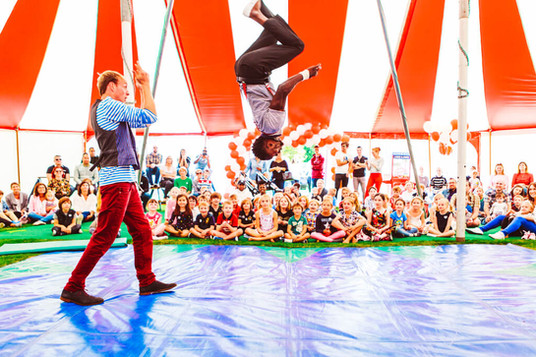 backflip_circus_show_kids_parties.jpg