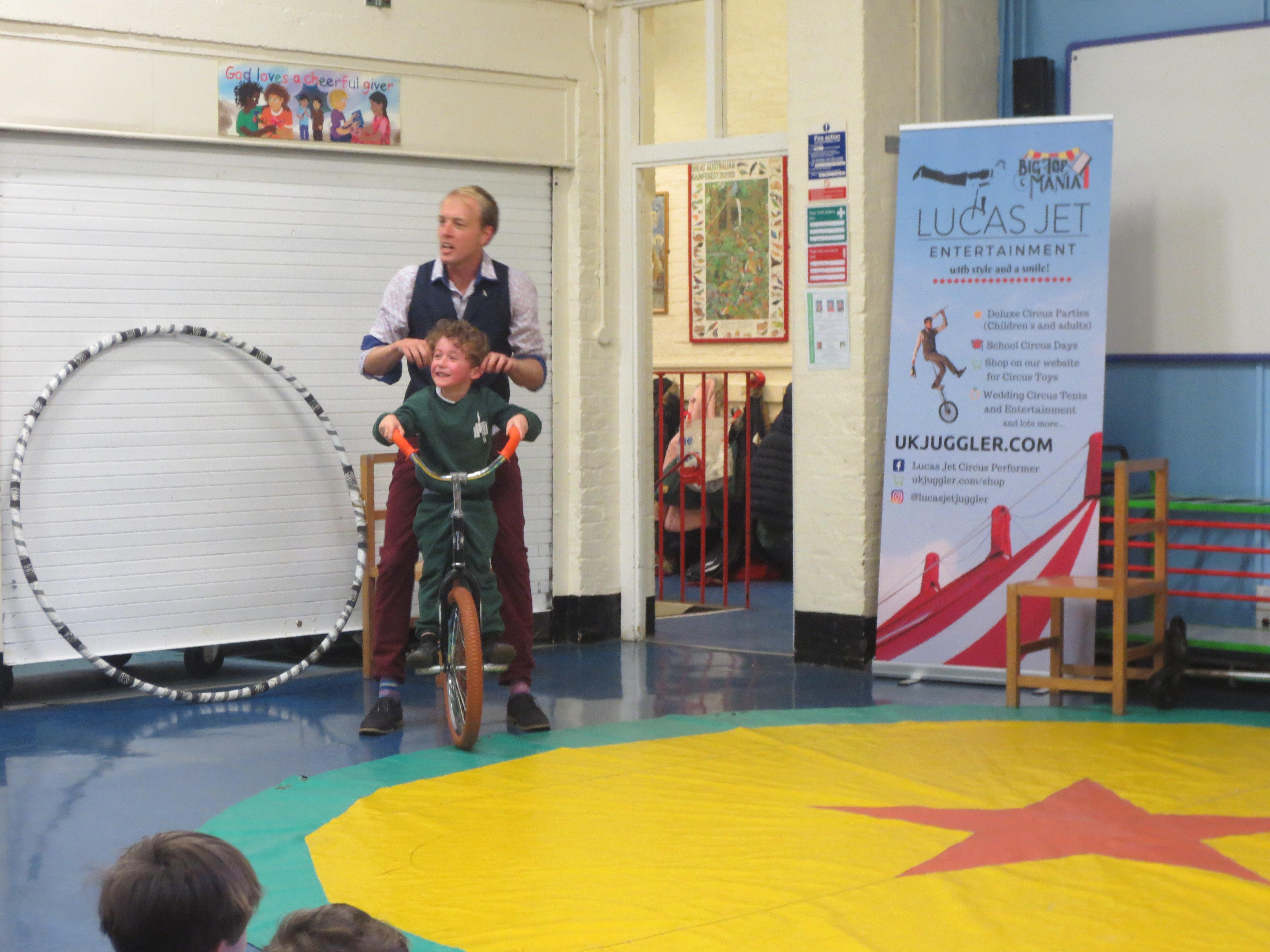 circus_show_schools_london