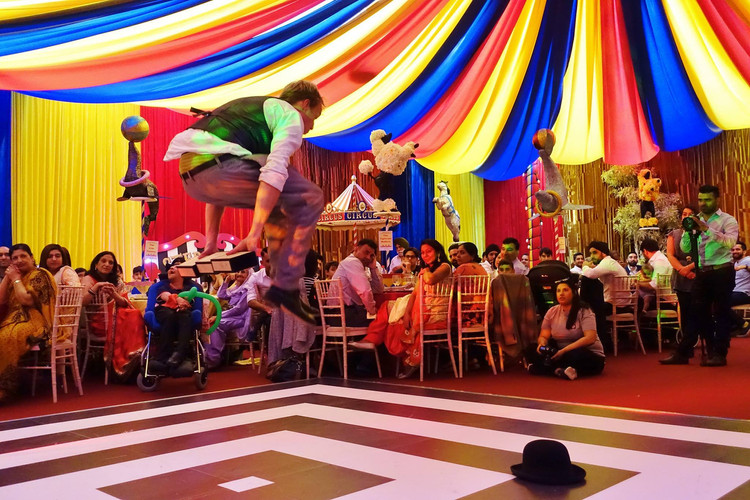 circus party entertainment