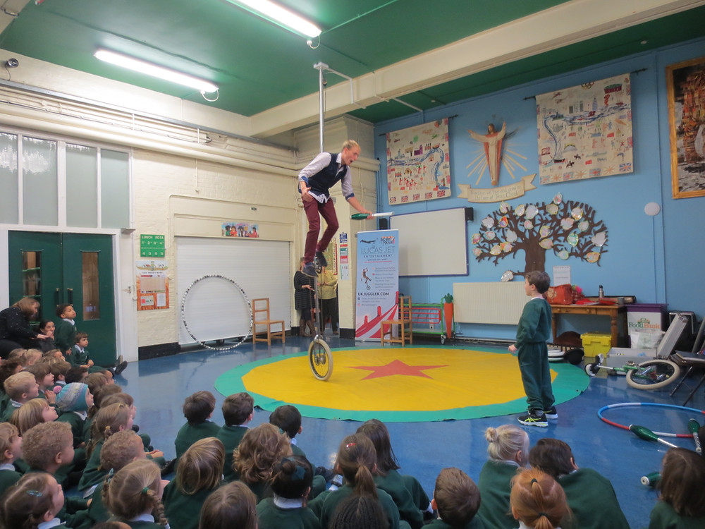 circus performer for schools