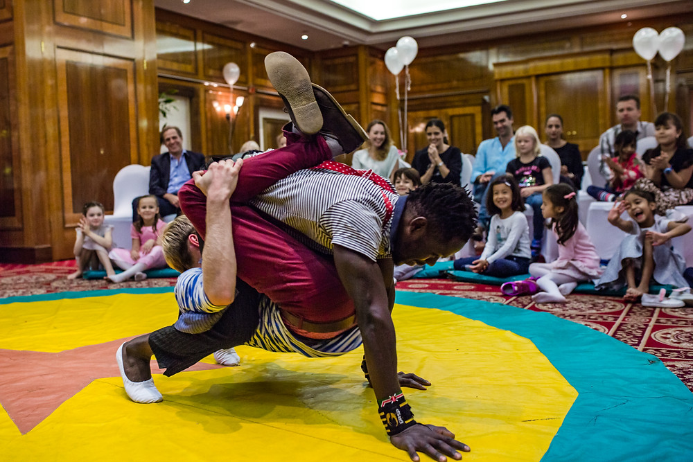 acrobatic duo for children's party