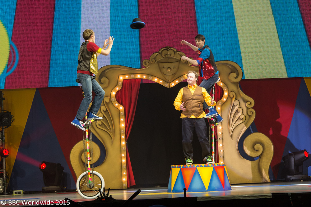 juggling unicyclist circus performer