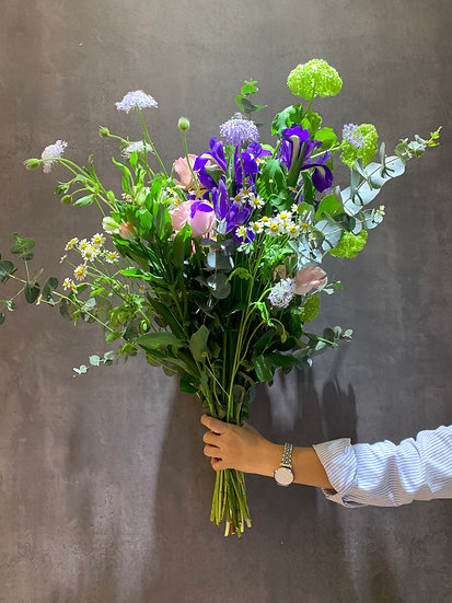 Bouquet of the week - Blues buster