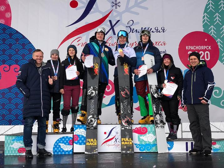 Первенство России по сноуборду завершилось стартами в параллельных дисциплинах
