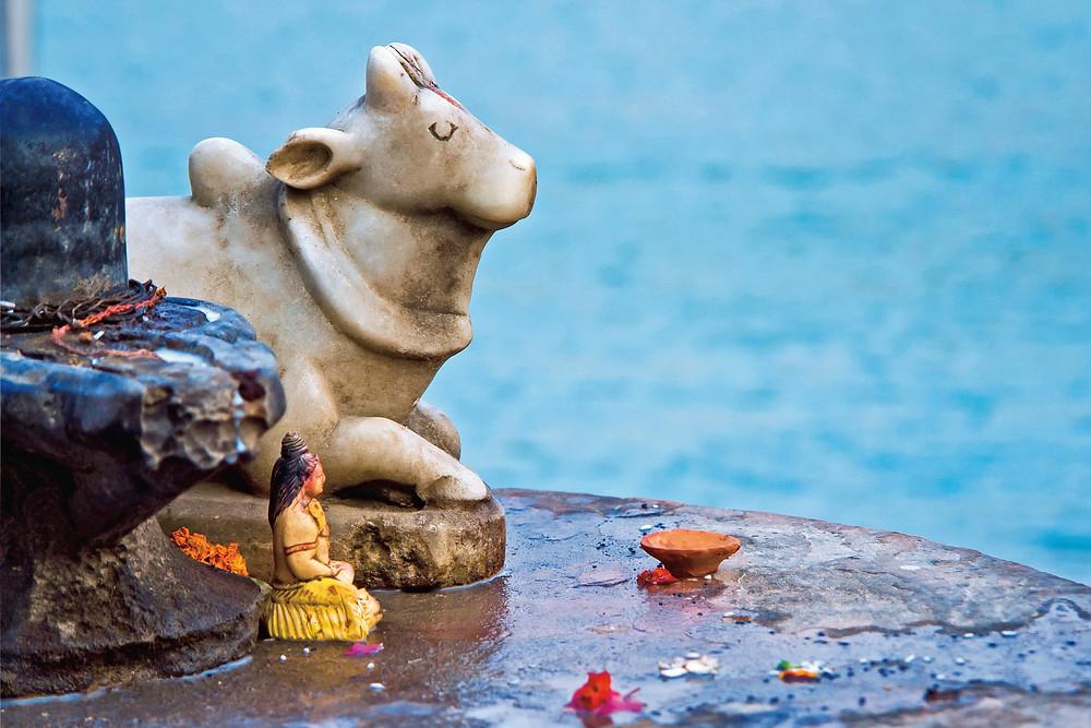 פסלון תפילה בצורת פרה