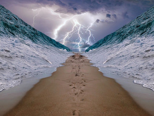בְּאֵיזֶה יָם עָבְרוּ בְּנֵי יִשְׂרָאֵל בְּצֵאתָם מִמִּצְרָיִם?