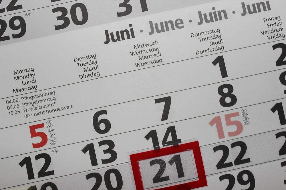 העשרים ואחד ביוני מסומן על גבי לוח שנה