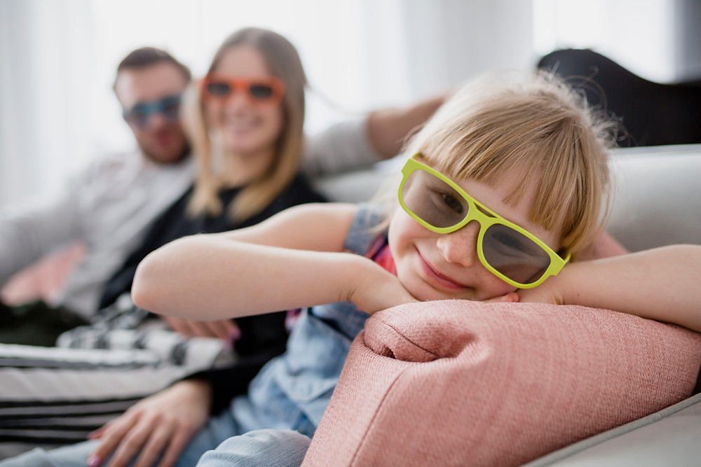 <a  data-cke-saved-href='https://www.freepik.com/free-photo/cheerful-girl-in-3d-glasses-near-parents_2177673.htm' href='https://www.freepik.com/free-photo/cheerful-girl-in-3d-glasses-near-parents_2177673.htm'>Designed by Freepik</a>