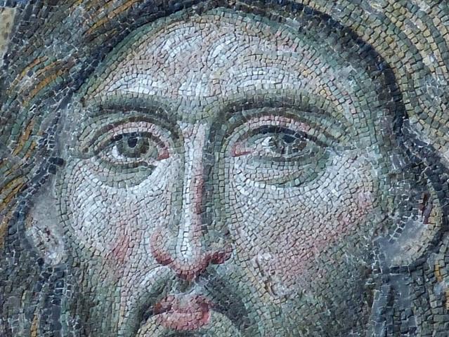 ציור של פנים המורכב מפסיפס