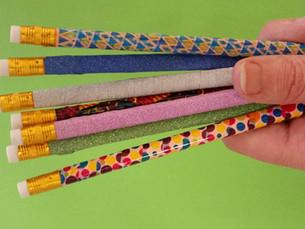 לשדרג את הקלמר: עפרונות צבעוניים ומבריקים