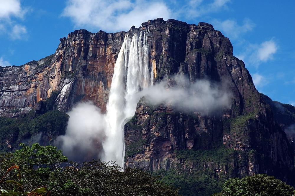הנוף של מפלי אנחל בונצואלה