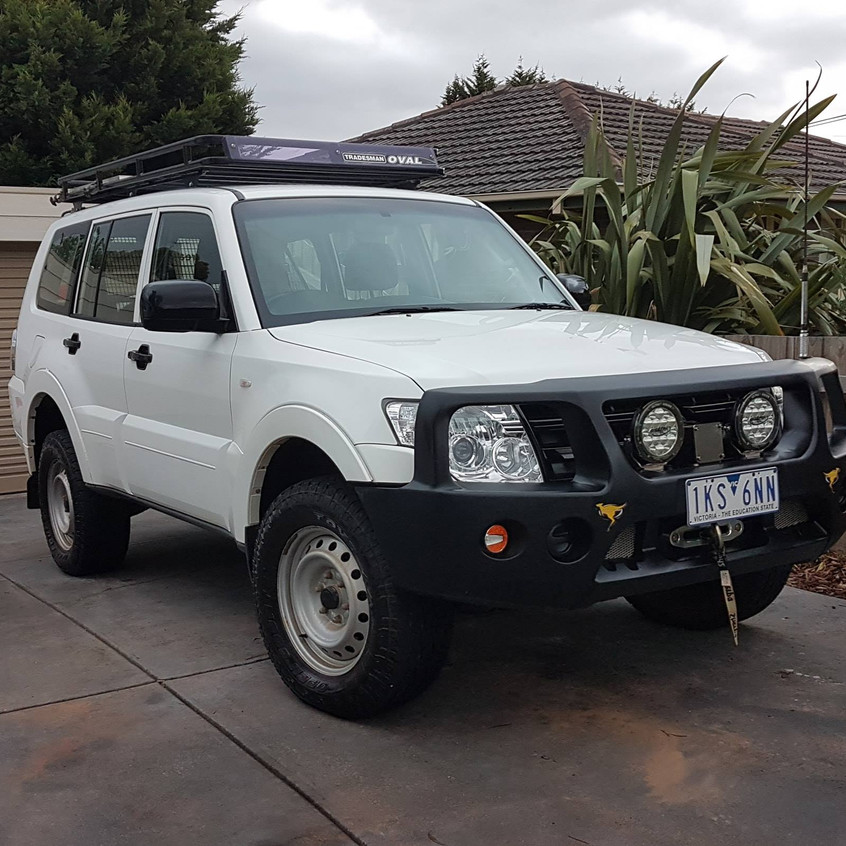 Cleaning our 4x4 for export to NZ