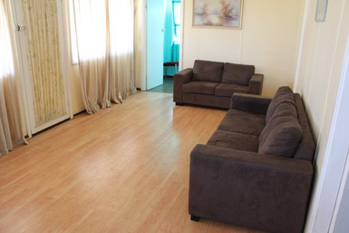 Chalet 5 (2 bedroom with lounge room)