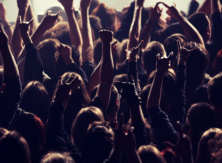 Science says that attending a gig can help you live longer!