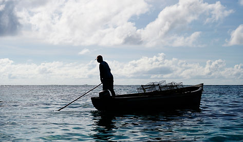 Vey_nou_Lagon_traditional_fisherman_in_M