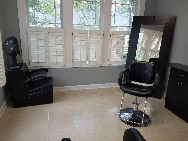 Salon Suite