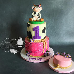 """""""Cow""""girl First Birthday"""