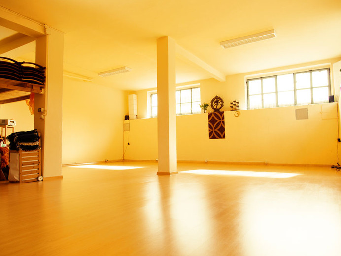 yoga-sattva-studio-milano-6.jpg