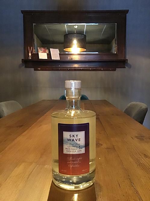 Orange, Madagascan Vanilla Gin. Small batch. Oxfordshire. 40%vol 500ml