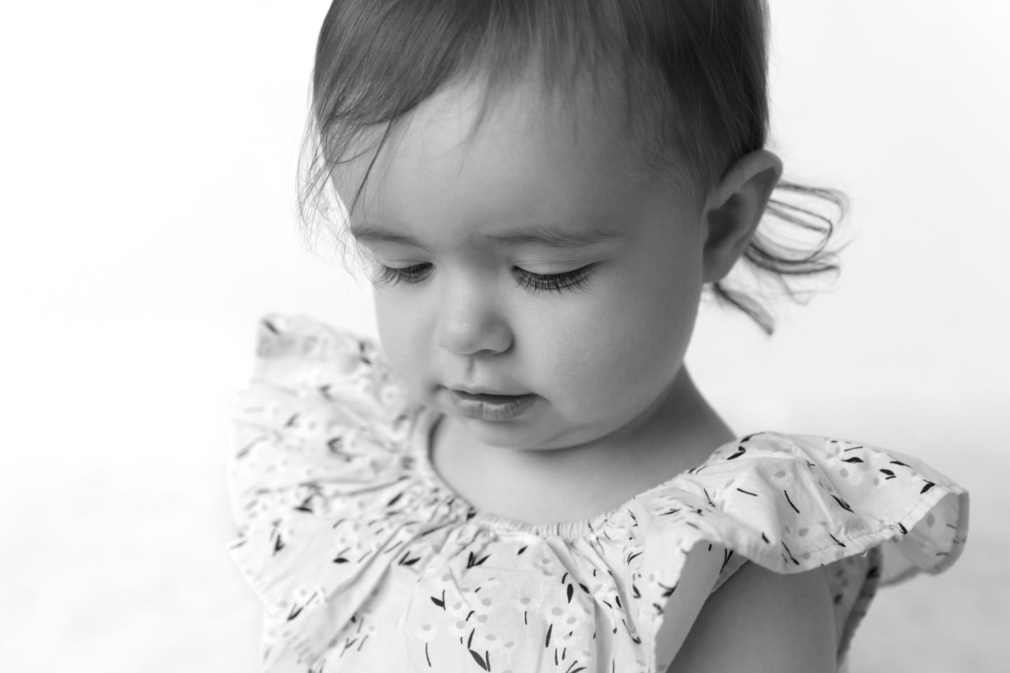 toddler close up eyelashes