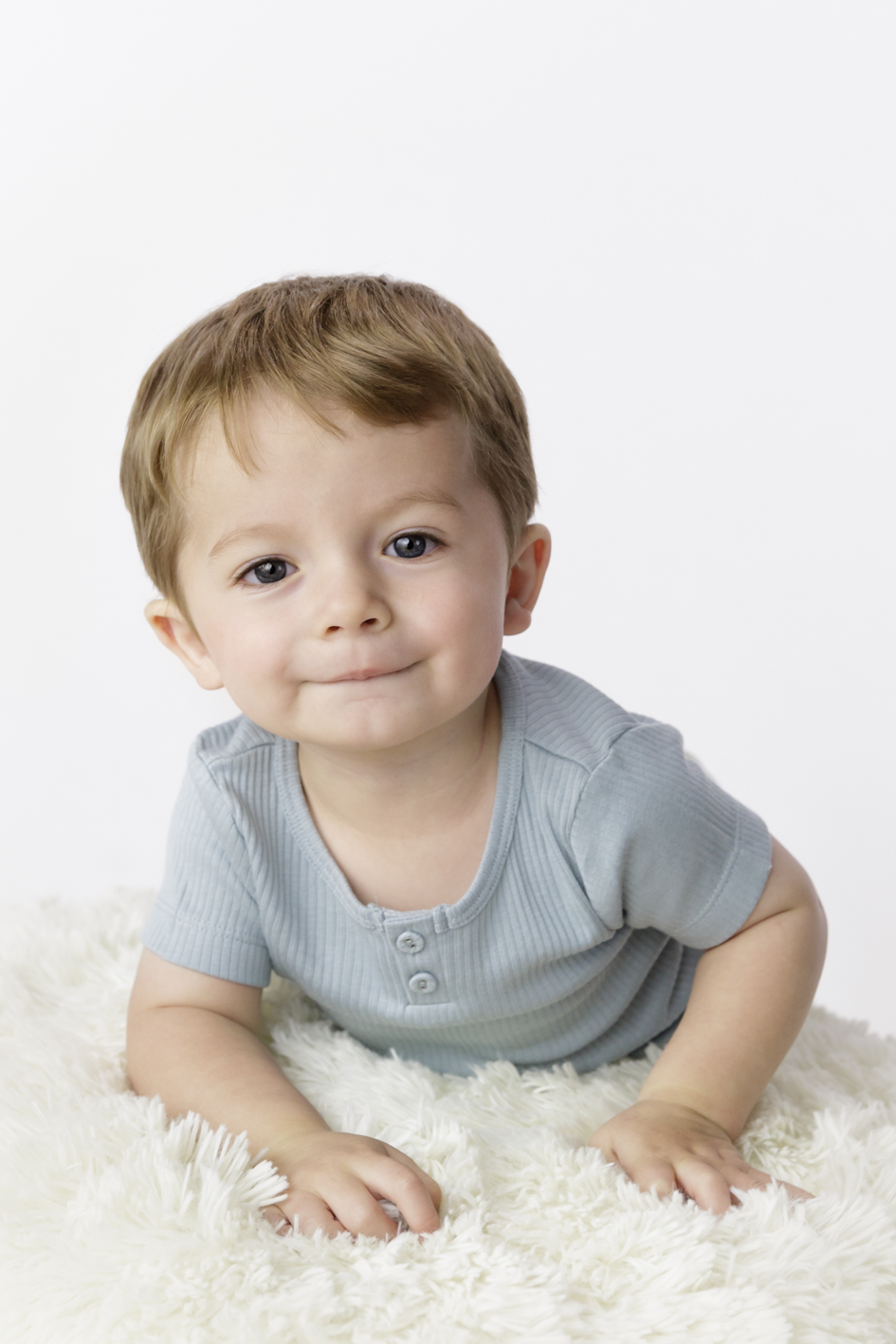 toddler studio photography