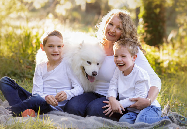 family and dog outdoor photos