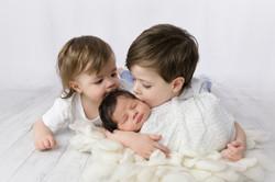 Sibling newborn photography