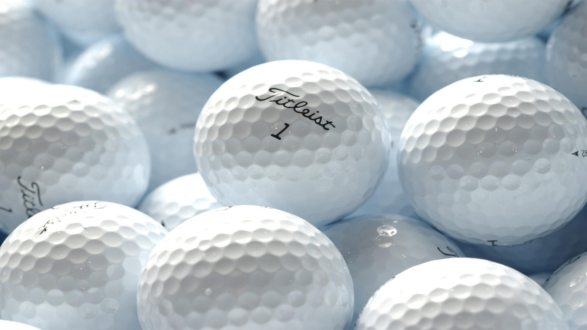 GOlf-ball-hd-wallpaper.jpg