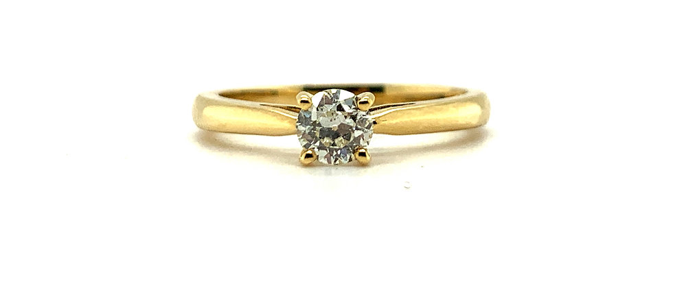 18 KT SINGLE DIAMOND SOLITAIRE RING