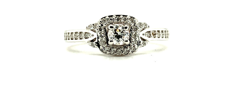 18 KT SQUARE SOLITAIRE RING