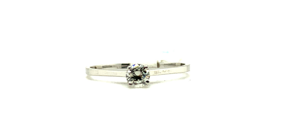 18 KT CLASSIC 4 PRONG SOLITAIRE RING