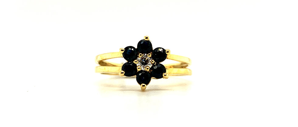 18 KT SAPHIRE FLOWER RING